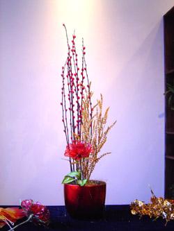 娇艳的红色水晶玫瑰花